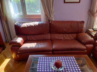 Conjunto de sofás de piel marrón
