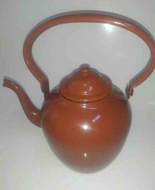 Tetera antigua de porcelana esmaltada