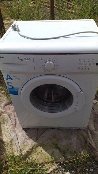 se vende lavadora beko funciona muy bien de 5k