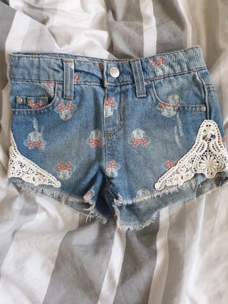 pantalón corto y falda