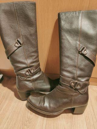 botas altas piel marrones