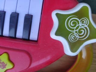 piano infantil marca Jaggets