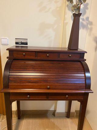 Vendo buró escritorio clásico de madera