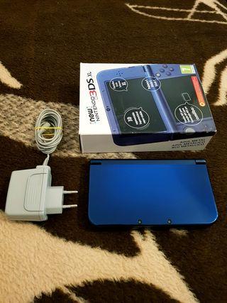 New Nintendo 3DS XL (Azul metálico) + Cargador