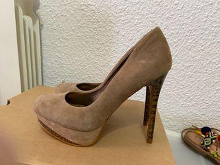 Zapatos beige plataforma zara
