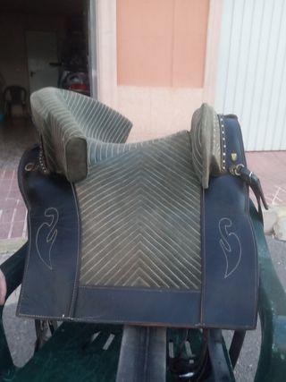 montura portuguesa caballo