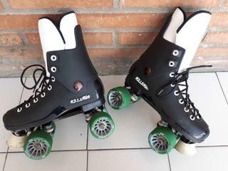 Patines RollerSki. Plástico blando y ruedas nuevas