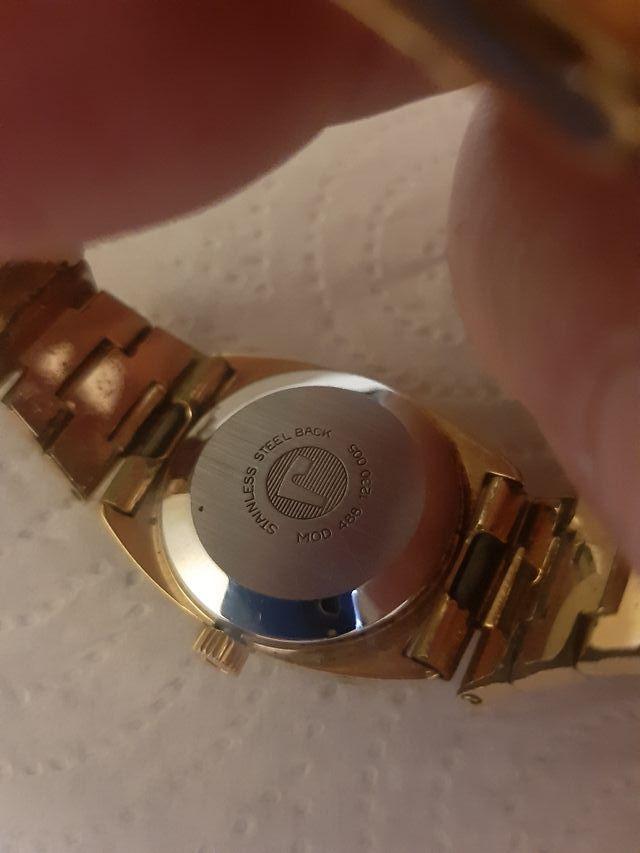 reloj de cuerda roamer
