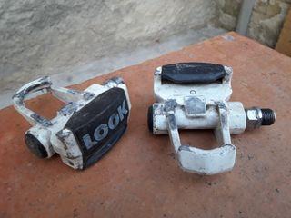 pedales look automáticos