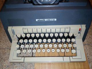maquina de escribir Oliveti 98