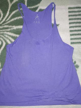 camiseta morada de tirantes talla 40 L