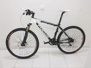 Bicicleta BTT FOCUS de carbono