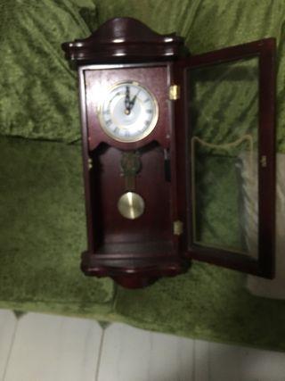 Reloj de pared de péndulo madera