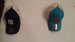 2 gorras originales de tienda deporte