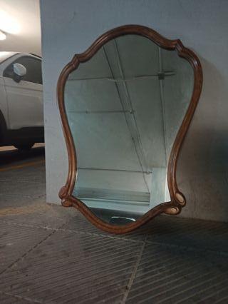 espejo elegante clásico