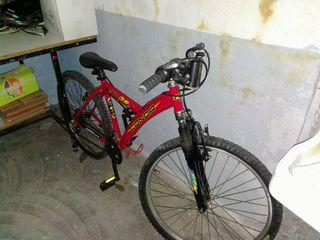 2 bicicletas de paseo y montaña