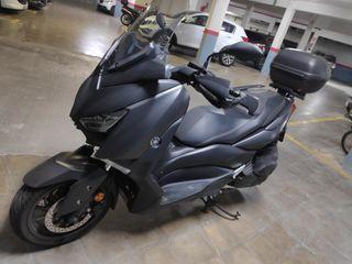 Yamaha xmax 400. 2018.