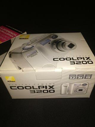 nikkon coolpix 3200