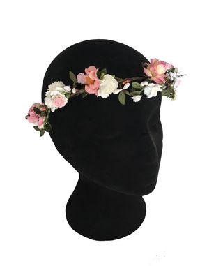 Tocado, corona de flores rosa y blanca