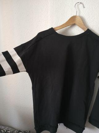 Sudadera negra Zara