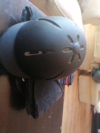 chaleco y casco hipica talla 8-10 años 30€