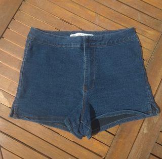 short (pantalón corto)