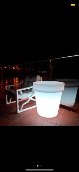 Macetero Cubitera LED RGBW 60cm Recargable