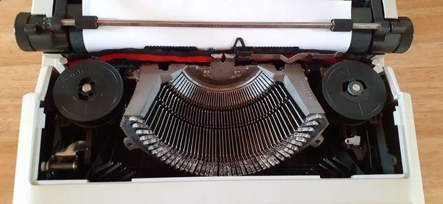 Máquina escribir Vintage Olliveti Underwood 515