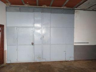 puertas grandes de hierro