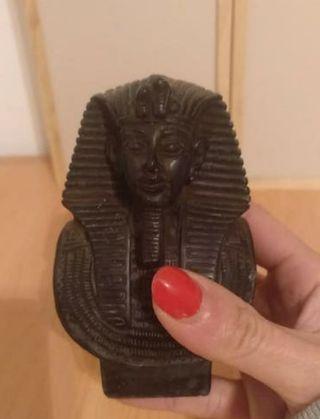 figura de tutankamon