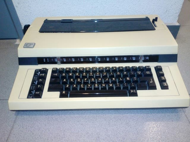Maquina de escribir de marca all