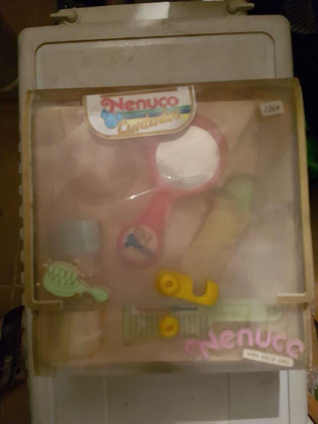 Maletin cuidados Nenuco accesorios.