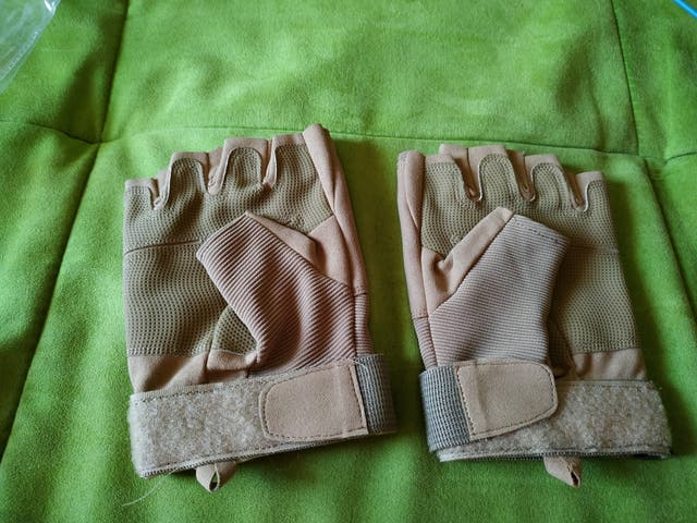 GUANTES AIRSOFT.