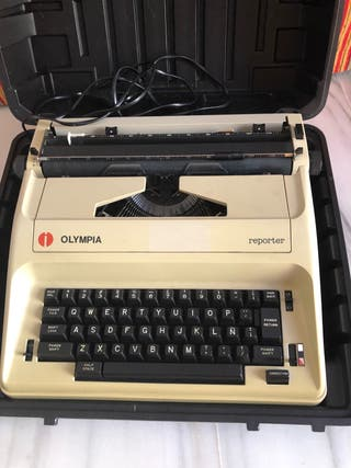 Máquina de escribir Olimpia reporte