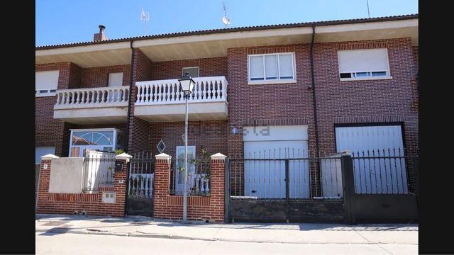 Chalet adosado en Renedo de Esgueva (Valladolid, Valladolid)