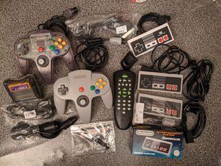 Lote de mandos y accesorios N64 NES Wii S/NES
