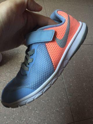 Zapatillas Nike niña o niño talla 32
