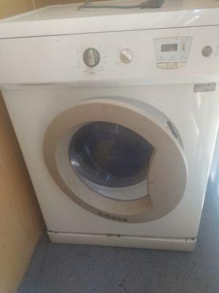 lavadora secadora marca Edesa romántic
