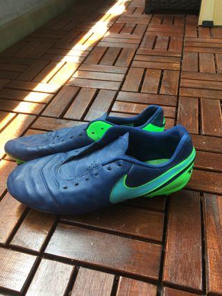 Zapatillas de Fútbol, Talla 42 Nike Tempo