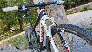 Bicicleta MTB 29 Grand Canyon CF SLX
