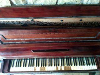 Piano antigüo