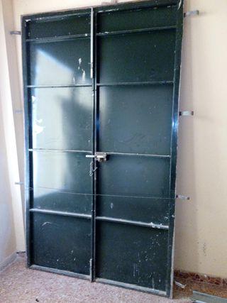 Puerta de chapa hierro
