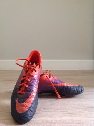 Zapatillas fútbol 11.