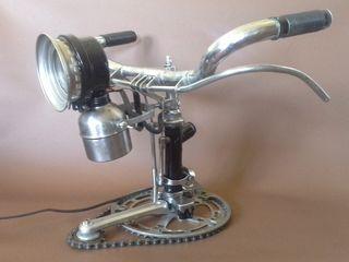 Lámpara sobremesa de bici de varillas