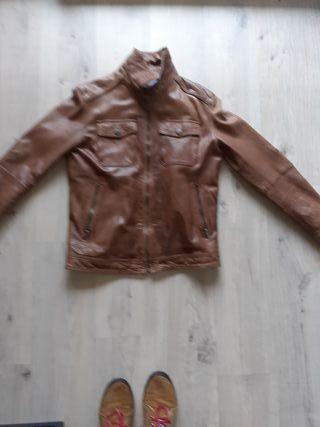 Cazadora de Cuero marrón