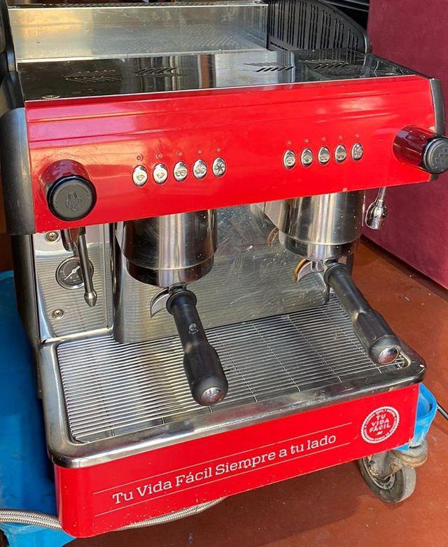 CAFETERA INDUSTRIAL PARA HOSTELERÍA 2 GRUPOS