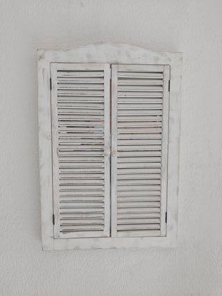 Ventana -Espejo blanco envejecido