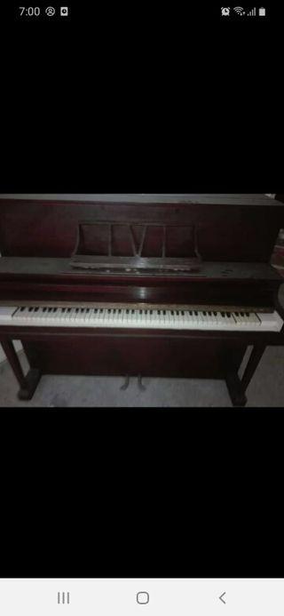 vendo piano antiguo