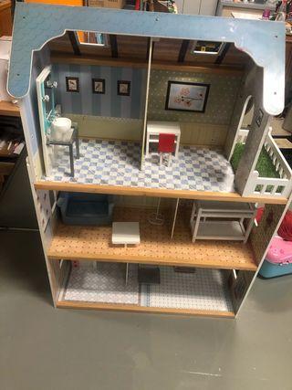 Casa de muñecas de madera imaginarium