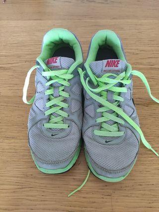 Zapatilla Nike revolution - Running